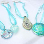 Fashion multi blue ribbons lampwork glass necklace