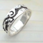 Trendy 925. stamped silver ring with etch-in tribal theme design