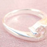 Collectible stamped 925 sterling silver clear rhinestone with fan shape ring