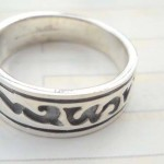 Unique 925 sterling silver ring with graved fancy line design
