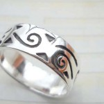 Great stamped 925 sterling silver graved spiral ring