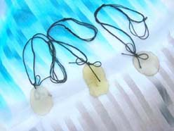 Handicraft flat cut genuine gemstone stone necklace with adjustable black string