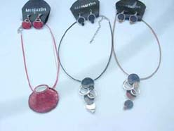 Assorted shape fashion necklace and earring jewelry set