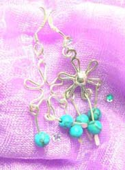 9.25 genius sterling silver flower with turquoise beaded earring