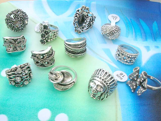 costume jewelry rings 014