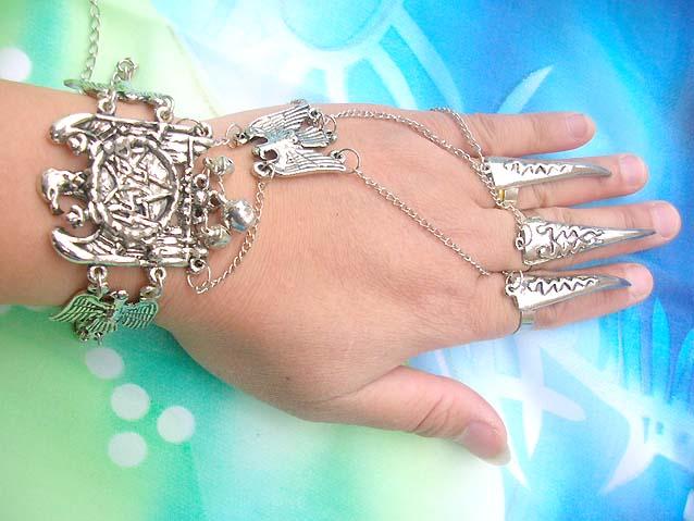 supplyjewelry.com /slave-bracelet-chainmail-handflower-01