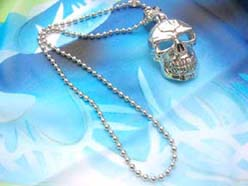 gothic-large-pendant-necklace-001