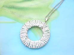 handmade jewelry beadwork pendant white circle necklace
