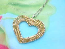 handmade jewelry beadwork pendant gold heart necklace