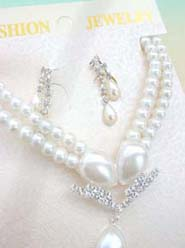 imitation pearl and cz flower necklace and earring jewelry set- water drop design