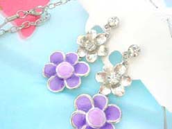 enamel cubic zirconia fashion earring and necklace jewelry set in purple daisy design