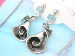 enamel cubic zirconia fashion earring and necklace jewelry set in black silver conch shell design