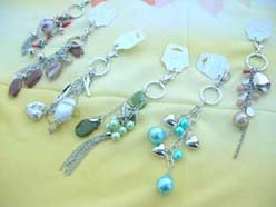 fashion jewelry keychains with beads and cute charms