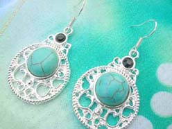retro vintage style turquoise earring