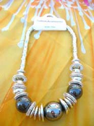 large-bead-silver-coil-necklace-001-1
