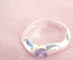Great stamped 925 sterling silver curvy band with amethyst cz ring
